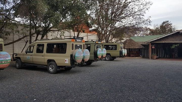 tour and safari jeep amazing kilimanjaro trekking